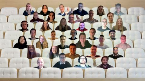 Computerbilder der Teilnehmenden in einem virtuellen Hörsaal