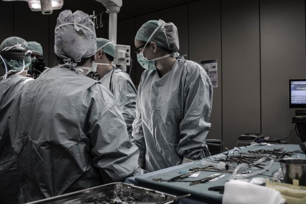 Will robots do the surgery in the future? Photo: [https://unsplash.com/photos/U4FyCp3-KzY Piron Guillaume]