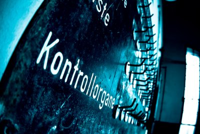 Kontrolle: Teil jeder Organisation. Bild: Markus Pink [https://www.flickr.com/photos/kompott/6005962516/ Organkontrolle] [https://creativecommons.org/licenses/by/2.0/ CC-BY 2.0] via [https://www.flickr.com/ Flickr]