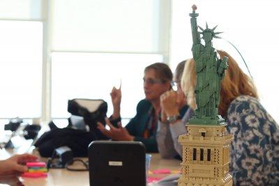 Ein Modell der Freiheitsstatue beim Ed Experts Seminar in New York