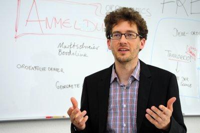 Prof. Dr. Tim Krieger