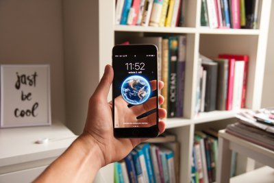 Smartphone mit Augmented-Reality-Anwendung