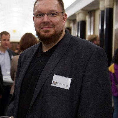 Dr. Lars Schmeink