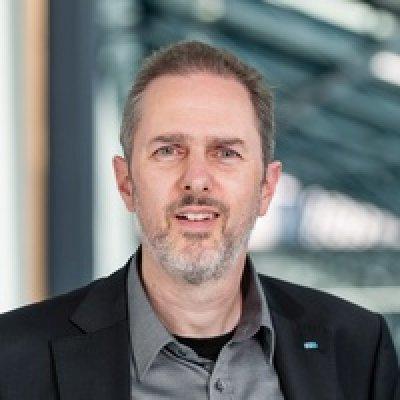 Portrait Prof. Dr. Marco Winzker
